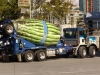 Spargel wird hier in Zement-Trucks transportiert. ;) Sieht zumindest nett aus.